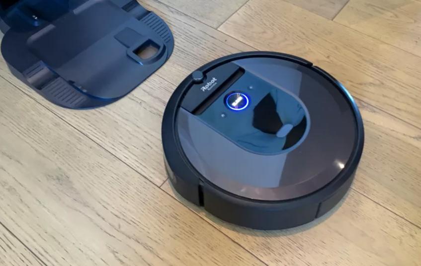 Robot de aspirare iRobot Roomba i7 (7150) : Review si Pareri pertinente